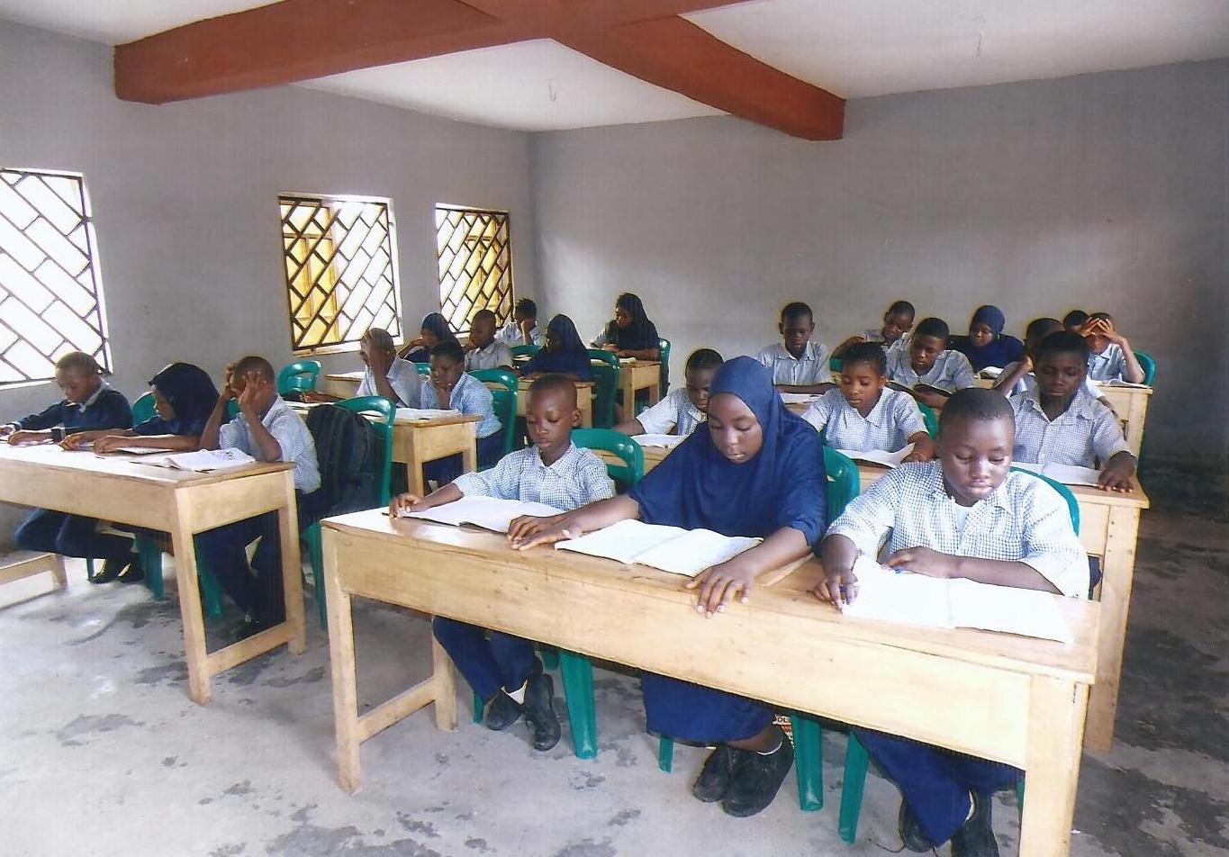 BICAS STUDENT IN CLASS2
